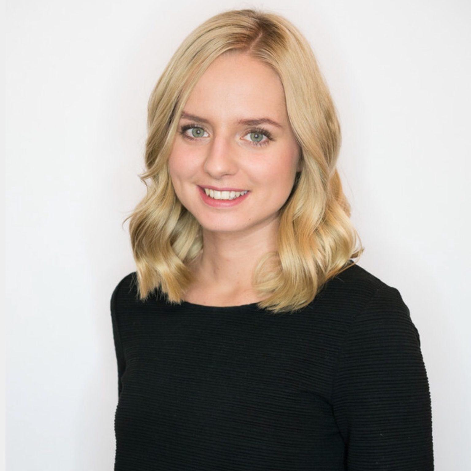 Fabienne - Haarstylistin - Spezialgebiet: Haarfarbe und Langes Haar