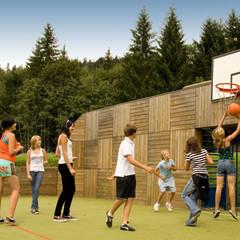 Karate- & Familiencamp und Sportprogramm