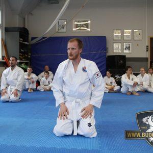 Konzentration und Disziplin sind sehr wichtige Bereiche im Karate