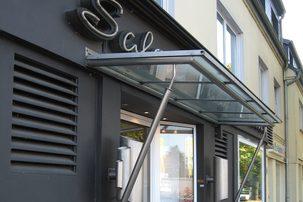 Glas & Vordächer & Fassaden