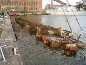 Wohnschiff im Hafen von Peenemünde