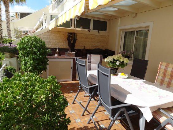 Sommerküche Terrasse : Terrasse mit sommerküche miraflores