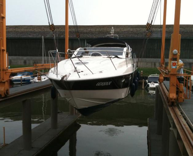 Yacht 37