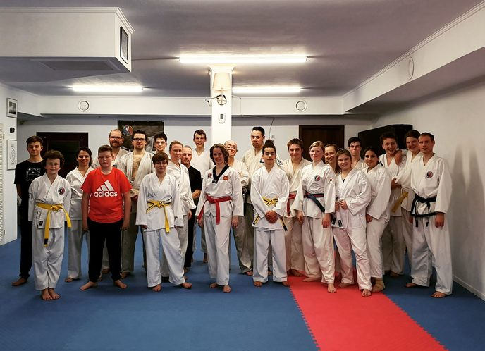 Kampfkunst-Trainingsgruppe in Weimar am 1. April 2019
