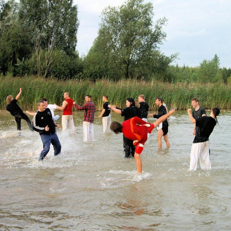 Kick-Training inm Wasser