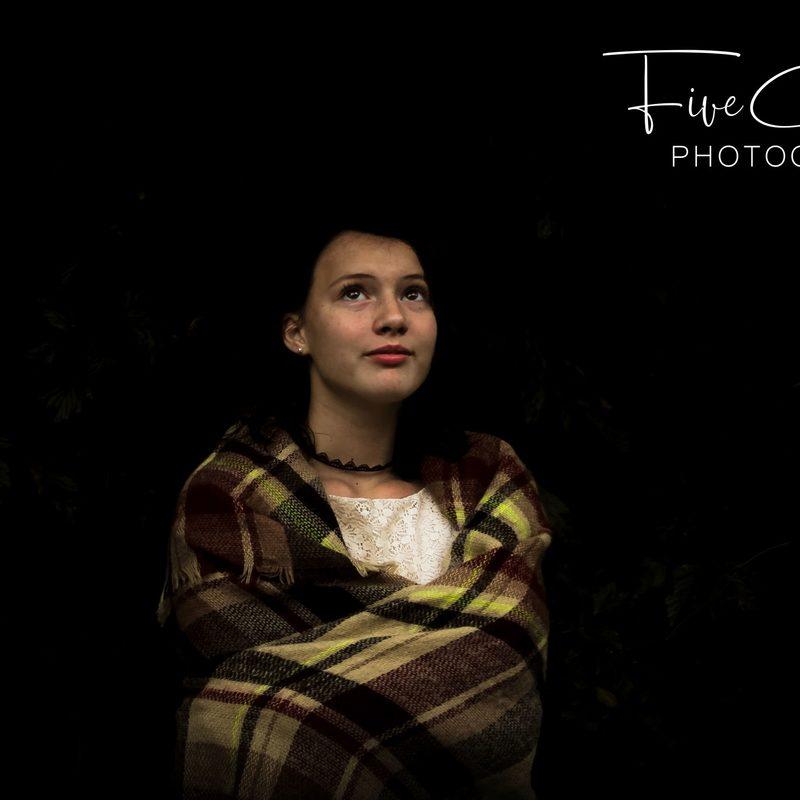 child-portrait-Gabby-blanket