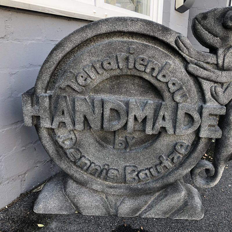 Handmade-Terrarienbau Logo in Stein Imitation