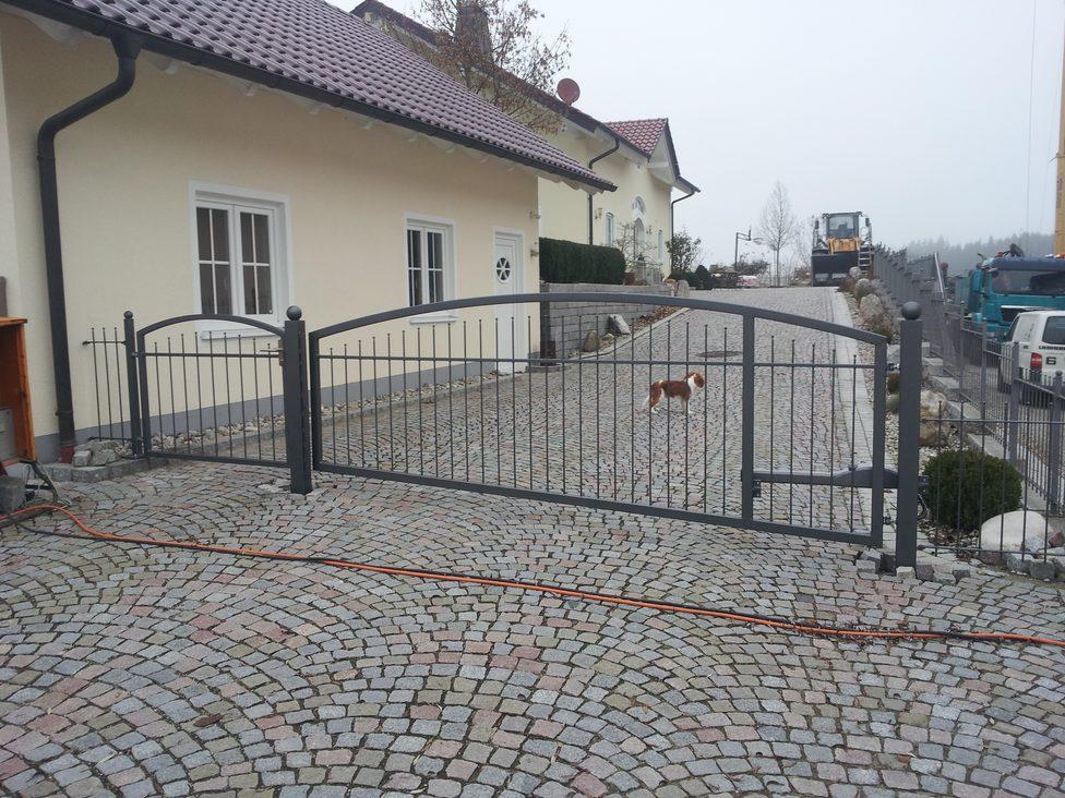 Metallbau Riedl Einfahrtstor